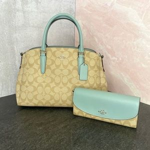 COACH NWT Sage Carryall Slim Wallet Seafoam Blue